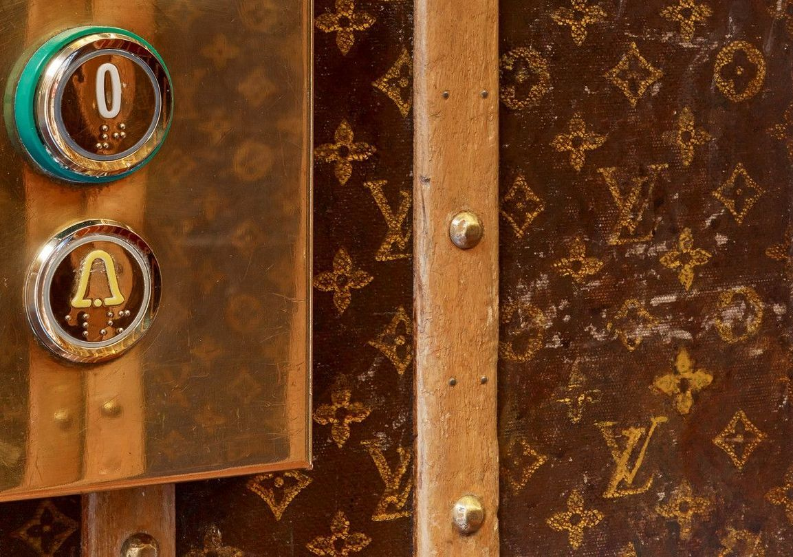 Louis Vuitton Elevator Le Dokhan's Hotel Paris